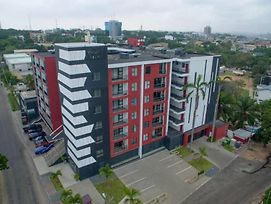 Luxury 2-Bedroom Apartment In The Heart Of Accra! photos Exterior