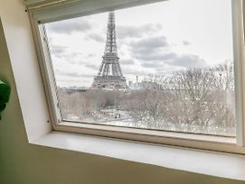 Apartment With A View On The Eiffel Tower, 200M From The Alma/Marceau Metro photos Exterior