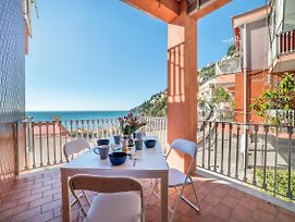 Vietri Sul Mare Roomy Flat With Parking photos Exterior