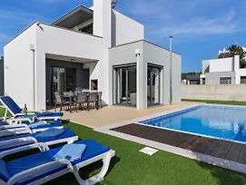 Modern Holiday Home In Foz De Arelho With Private Pool photos Exterior