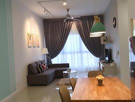 Cozy Home@8-10Pax@3R2B@Puchong@Ioi Mall photos Exterior