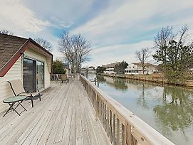 New Listing! Spacious Waterfront Geodesic Dome Home photos Exterior