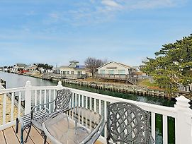 New Listing! Canalfront All-Suite: Steps To Beach Home photos Exterior