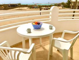 Spacious And Sunny Sea View Apartment Overlooking The Estoril Beach photos Exterior