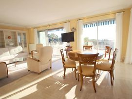 Stunning 3 Bedroom With Panoramic Terrace Only Minutes From Heart Of Cannes! photos Exterior