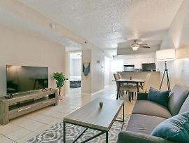 Beautiful Suite In The Heart Of North Austin photos Exterior