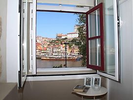 Excellent River Views - 2 Bedrooms Apartment photos Exterior