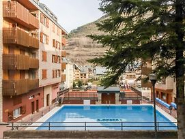 Peaceful Apartment In Vielha With Swimming Pool photos Room