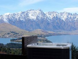 Vanda Heights - Queenstown Luxury Accommodation photos Exterior