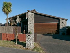Riverstone Holiday Home - Taupo Holiday Home photos Exterior