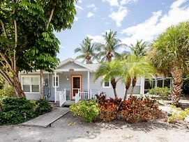 Baywatch Cottage On Captiva - Pet Friendly With Dock Cottage photos Exterior