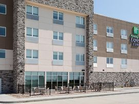 Holiday Inn Express And Suites Dakota Dunes photos Exterior