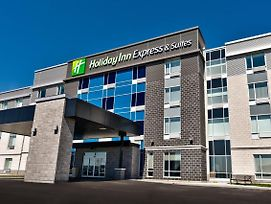 Holiday Inn Express & Suites Trois Rivieres Ouest photos Exterior