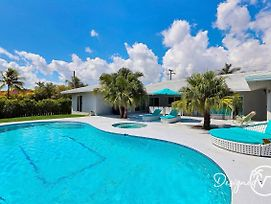 Waterfront Estate - 5 Bedroom W/Pool- 5 Min To Beach photos Exterior