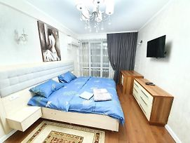 New Apartments 2-Rooms Fresh Design In The Centre photos Exterior