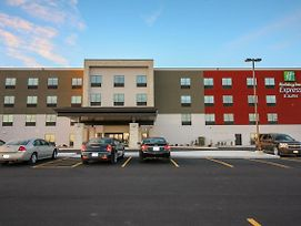 Holiday Inn Express & Suites Kirksville - University Area photos Exterior