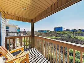 New Listing! Gulf-View Getaway W/ Balcony & Grill Home photos Exterior