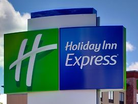 Holiday Inn Express & Suites - Milledgeville photos Exterior