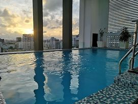 Exclusive Apartment A7 Torre Arpel 5 Downtown,Seaview,Pool&Cinema photos Exterior