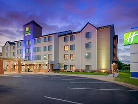 Holiday Inn Express Hotel & Suites Coon Rapids - Blaine Area photos Exterior