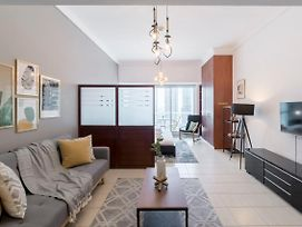 Homely Studio In Jlt With Amazing Views Of Dubai Marina By Guestready photos Exterior