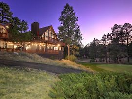 Pristine Flagstaff Cabin With Decks And Mountain Views! photos Exterior