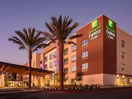 Holiday Inn Express & Suites Moreno Valley - Riverside photos Exterior