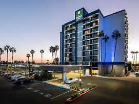 Holiday Inn Express & Suites Santa Ana - Orange County photos Exterior