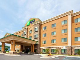 Holiday Inn Express Hotel & Suites Mount Airy photos Exterior
