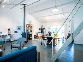Stunning Loft With Garden And Pool, Ideal Location photos Exterior