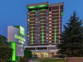 Holiday Inn & Suites Pittsfield-Berkshires photos Exterior