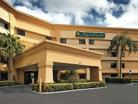 La Quinta Inn And Suites By Wyndham Miami Airport East photos Exterior