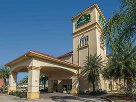 La Quinta Inn And Suites By Wyndham Lake Charles Casino Area photos Exterior