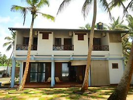 Cookie Aunt Beach Hotel Bentota photos Exterior
