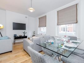 Deluxe 4 Bedroom Oxford Circus Apartment With Private Terrace photos Exterior