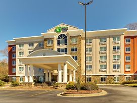 Holiday Inn Express Hotel & Suites Columbus-Fort Benning photos Exterior
