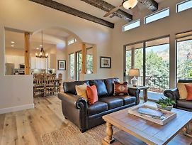 Luxury Sedona Living - Remodeled With Red Rock Views! photos Exterior