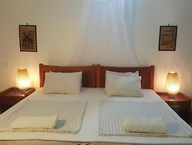 Clean Room In Tanga 10 Min Walk To Ocean photos Exterior