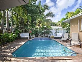 Modern Chic Home With Outdoor Oasis, 4 Mi To Beach! photos Exterior