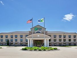 Holiday Inn Express Hotel & Suites Wadsworth photos Exterior