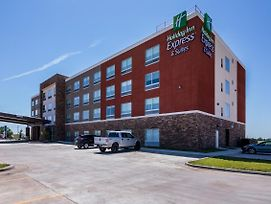 Holiday Inn Express & Suites Blackwell photos Exterior