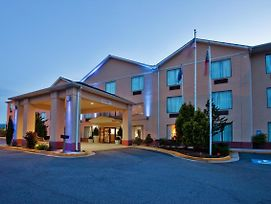 Holiday Inn Express & Suites Hiawassee photos Exterior