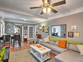 Eclectic Abode W/ Sunroom - 2 Mi To Downtown photos Exterior