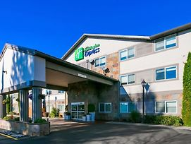 Holiday Inn Express Hotel & Suites Everett photos Exterior