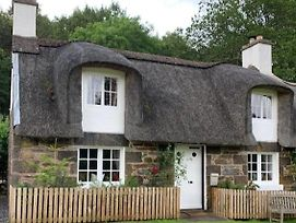 A Fairytale Thatched Highland Cottage photos Exterior