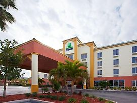 Holiday Inn Express Hotel & Suites Cocoa Beach photos Exterior