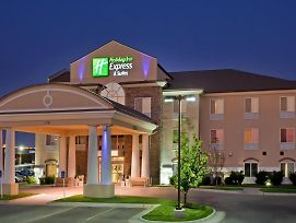 Holiday Inn Express & Suites Wichita Airport photos Exterior