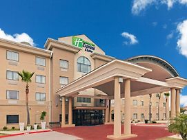 Holiday Inn Express Hotel & Suites Laredo-Event Center Area photos Exterior