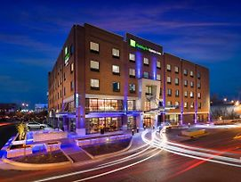 Holiday Inn Express & Suites Oklahoma City Dwtn - Bricktown photos Exterior