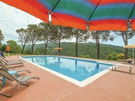 Lavish Holiday Home In Subbiano Arezzo With Swimming Pool photos Room